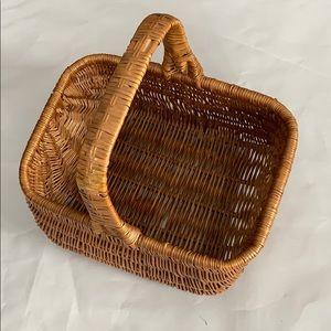 Vintage wicker large basket with handle